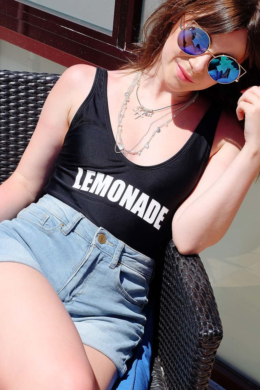 Badeanzug-stylische-Sommer-Outfits-summer-style
