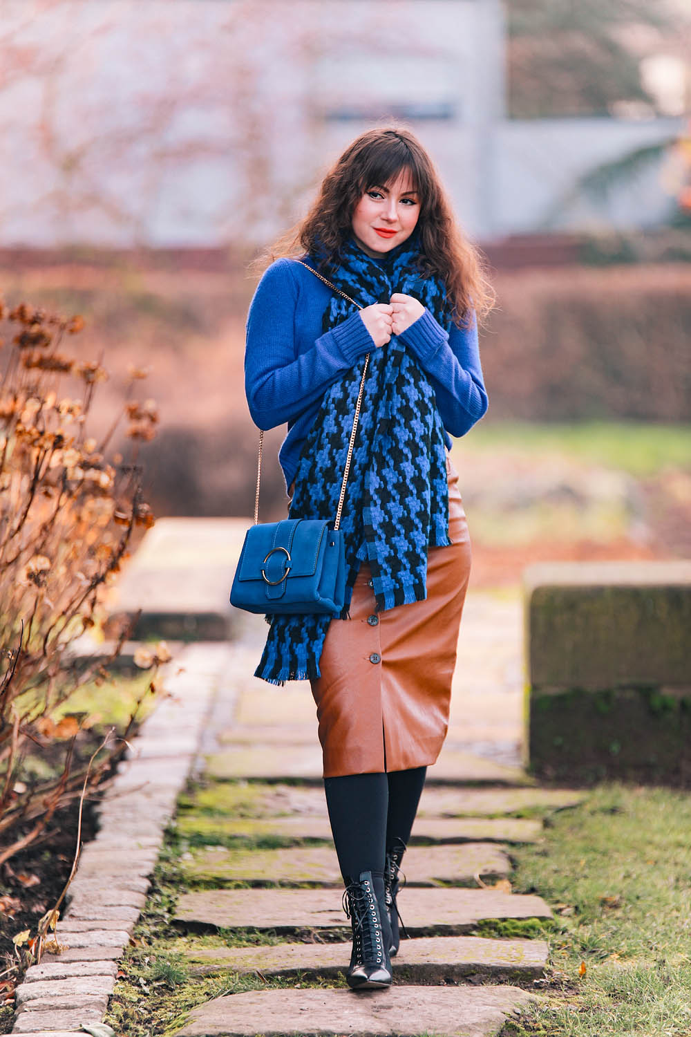 Blau-Outfit-Inspiration