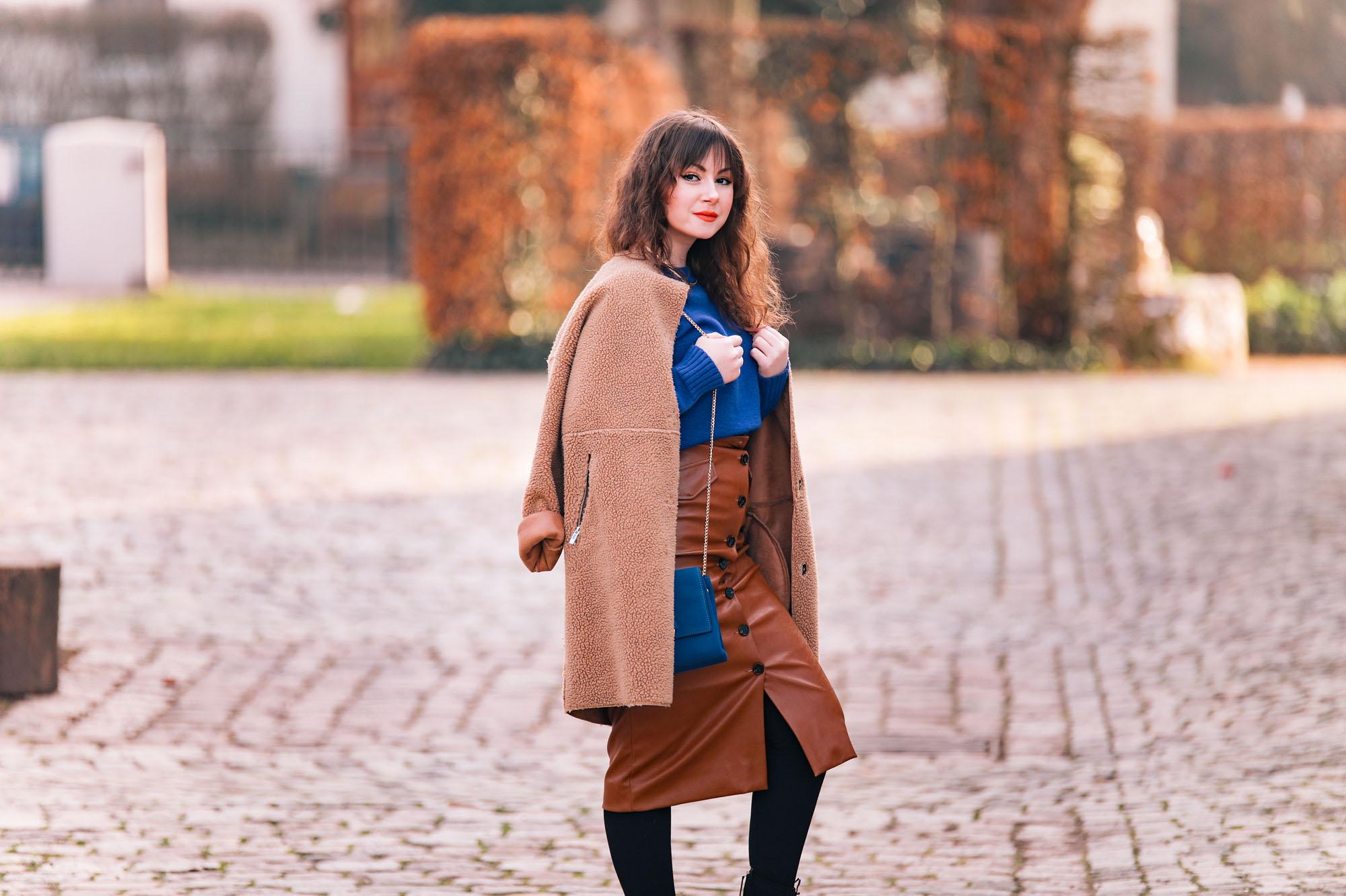 Trendfarbe-2020-Classic-Blue-Blau-kombinieren-Fashionblog